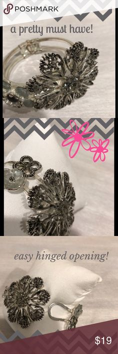 Silver Floral Bracelet w/Austrian Crystals Easy hinged opening.  Big flowers with Austrian crystals make this a great Statement piece for your wrist! 💥 Jewelry Bracelets
