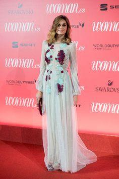 Premios Woman: Norma Ruiz con vestido de Alicia Rueda. Fiona Ferrer, Made Of Honor, Fashion Models, Pink Fashion, Dress Fashion, Glamour, Perfect Wedding Dress, Formal Dresses, Wedding Dresses