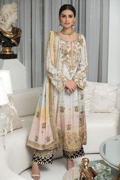 Pakistani Frocks, Pakistani Party Wear Dresses, Beautiful Pakistani Dresses, Pakistani Wedding Outfits, Pakistani Fashion Casual, Designer Party Wear Dresses, Indian Dresses, Party Dresses, Pakistani Culture
