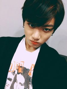 BTS Twitter [151212] Trans @bts_twt : Thank you ARMY Even though my expression is like this, thank you very much   [ JUNGKOOK ]