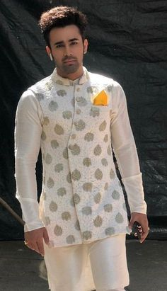 Freshen Up Your Wardrobe with a Touch of Exclusive Styles. Indian Wedding Clothes For Men, Sherwani For Men Wedding, Wedding Dress Men, Indian Wedding Outfits, Sherwani Groom, Punjabi Wedding, Indian Weddings, Wedding Couples, Wedding Ideas