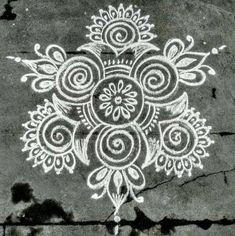 Source by vennilavenkatac. Simple Rangoli Designs Images, Rangoli Designs Latest, Rangoli Designs Flower, Rangoli Border Designs, Rangoli Patterns, Rangoli Ideas, Rangoli Designs Diwali, Rangoli Designs With Dots, Beautiful Rangoli Designs