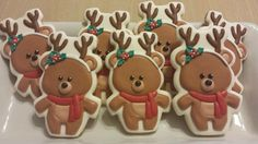 how stinking cute are these teddy bear christmas cookies?!