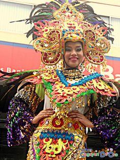 Cagayan de Oro Carnival Parade Clash of Festive Acts and Carnival Queens National High School, Captain Hat, Carnival, Queen, Activities, Beautiful, Cagayan De Oro, Party, Carnavals