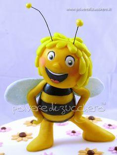 Polvere di Zucchero: cake design e sugar art. Corsi decorazione torte,biscotti,cupcakes e fiori: Torta in pasta di zucchero: Ape Maia 3d
