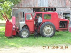 Dearborn Implements For Ford Tractor - Yahoo Image Search Results Tractor Cabs, Tractor Loader, Small Tractors, Tractors For Sale, Antique Tractors, Vintage Tractors, John Deere 6030, Tractor Accessories, Tractor Attachments