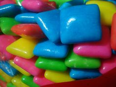 Bubble gum-- i remember these from when i was a kid :) Taste The Rainbow, Over The Rainbow, World Of Color, Color Of Life, All The Colors, Vibrant Colors, Neon Colors, True Colors, Retro Sweets