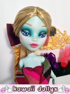 Francesca Stein Custom Monster High Frankie Stein por KawaiiDollys