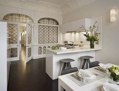 Modern Luxury Kitchens For A Grand Kitchen White Kitchen Furniture, All White Kitchen, Rustic Furniture, Luxury Kitchens, Cool Kitchens, Modern Kitchens, Grand Kitchen, Timeless Kitchen, L Shaped Kitchen