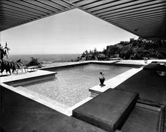 Case Study House No. Los Angeles, CA. Architect Pierre Koenig Photo Julius Shulman Case Study House No. Los Angeles, CA. Blog Architecture, Architecture Magazines, California Architecture, Pierre Koenig, Mid Century Exterior, Modernisme, Architectural Photographers, Alvar Aalto, Mid Century House