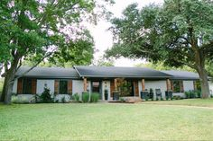 Fixer Upper: The Peach House for Waco's 'Most Eligible Bachelor'