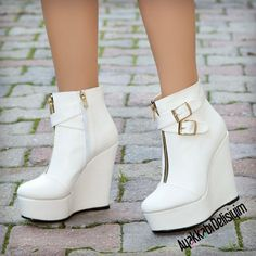 Beyaz Dolgu Topuklu Bot White Wedge Heels to White Wedge Heels, Wedge Heel Boots, Shoes Heels Wedges, Heeled Boots, Shoe Boots, Bootie Boots, Ankle Booties, High Heels Stiletto, Kawaii Shoes