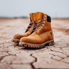 When you think of Timberland boots, you're thinking of these classic waterproof boots. Men's Fashion, Mens Boots Fashion, Sneakers Fashion, Fashion Guide, Fashion Stores, Fashion 2018, Timberland Boots Outfit, Timberland Mens, Timberlands Shoes