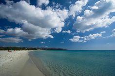 BEACH OF VILLASIMIUS  Most important beaches of the area are Porto Sa Ruxi, Piscadeddus, Campus, Cala caterina, Cala Burroni, Porto Giunco, Timi Ama, Simius, Punta Molentis, Spiaggia del Riso.