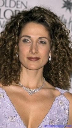 34 Best Natural Curly Hair Styles Medium Length Images Hair Ideas