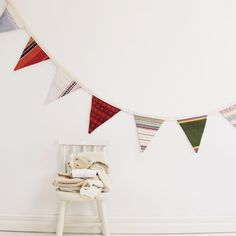 This boho style vintage bunting with flowers is the perfect home decoration. Made of high quality vintage fabrics. A great gift for retro lovers. Initial Cushions, Vintage Bunting, Vintage Quotes, Bunting Garland, Botanical Flowers, Nursery Themes, Vintage Fabrics, Kids Decor, Interior Styling
