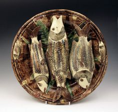 PALISSEY  WARE MAJOLICA DECORATIVE DISH WITH FISH  19THC