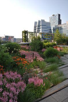 NYC High Line Park - urban garden, landscaping, roof garden, country . - NYC H. NYC High Line Pa Sky Garden, Terrace Garden, Shade Garden, Balcony Gardening, Garden Landscape Design, Urban Landscape, Garden Landscaping, Park Landscape, Minimalist Garden