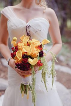 Beautiful wedding bouquets #wedding #flowers - MyBrideGuide.com