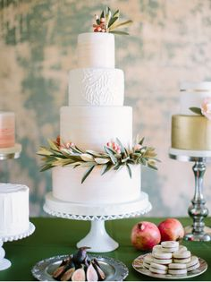 Cake by Sugarbelle Cakes, Featured on Wedding Sparrow, Photo by When He Found Her