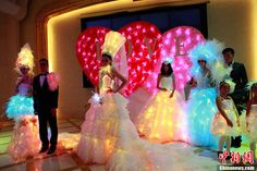 фантастический пмма оптическое волокно легкие платья, красочный оптического волокна украшения продуктов