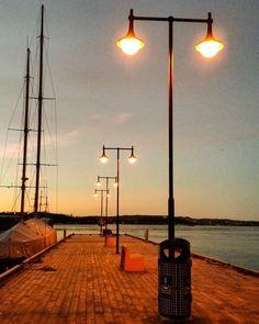 Harbour. Lights. Sunset. #oslo #winter #sea #citylights #harbour #seaside #sunset #perspective #oslove #oslohavn #sailboat #osloost #whereinoslo #oslobilder #visitoslo #picoftheweek #picoftheday #photooftheday #norway #norge #nordicliving #norvège #norvegia #visitnorway by bergenger