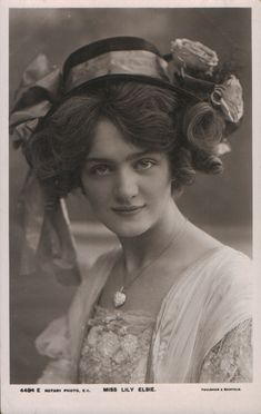 Lily Elsie, starred in The Merry Widow, operetta of Franz Lehar, Edwardian Theater, about Lily Elsie, Vintage Love, Vintage Beauty, Vintage Ladies, Retro Vintage, Edwardian Era, Edwardian Fashion, Victorian Women, Vintage Pictures
