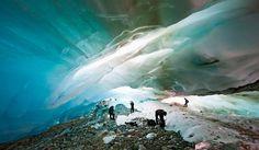 El Glaciar Alvear, a tan sólo 26 km de Ushuaia y a 1.400 metros de altura, en la provincia de Tierra del Fuego Argentina.