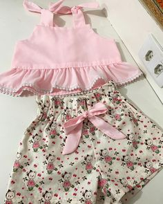 Toddler Baby Girls Pineapple T-shirt Vest Tops Skirts Outfits Summer Sundress Kleinkind Baby Mädchen Ananas T-Shirt Weste Tops Röcke. Baby Girl Dress Patterns, Little Girl Dresses, Baby Girl Fashion, Kids Fashion, Baby Frocks Designs, Kids Frocks, Cute Baby Clothes, Skirt Outfits, Vest Tops