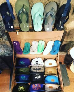 Gorras y cholas C/ Cano 5 #LasPalmas de #GranCanaria  http://ift.tt/1lUh2Zo  #bexclusive #befunwear  // #clothing #boy #man #urbanwear #shorts  #accesories #sunglasses  #tshirt #sweatshirt #outfit #blogger #trend #shop  #sneakers #trend #trendy #urbanstyle #streetstyle  #streetwear #look  #style #men #RegalizFunwear #lpgc #lp