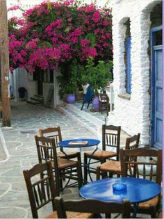 Little cafe in Kythnos