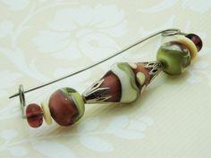 Glas Broschen - Brosche/Tuchspange mit handgewickelten Glasperlen - ein Designerstück von Feuerperlen-und-Co bei DaWanda