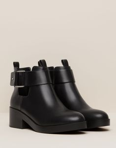 CUT OUT ANKLE BOOTS WITH BUCKLE - NEW PRODUCTS - NEW PRODUCTS - PULL&BEAR Portugal