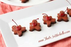 Gingerbread Men Jello Shots! This actually doesn't sound like something I'd like but they're so cute :)