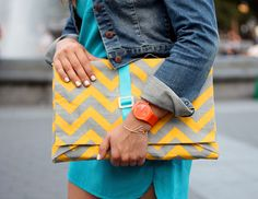 16 Stylish + Simple DIY Laptop Sleeves...Gonna make this for my tablet instead...too cute!