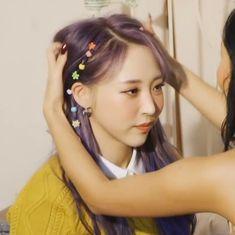 Kpop Girl Groups, Kpop Girls, My Girl, Cool Girl, Mamamoo Moonbyul, Crop Photo, Cute Icons, Drarry, Rainbow Bridge