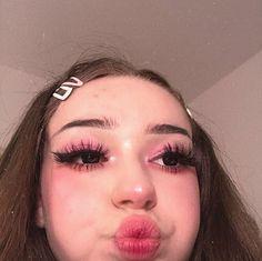makeup aesthetic – Hair and beauty tips, tricks and tutorials Pink Makeup, Cute Makeup, Girls Makeup, Pretty Makeup, Hair Makeup, Makeup Style, Beste Concealer, Aesthetic Hair, Makeup Looks