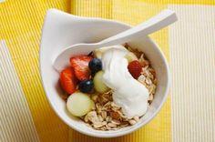 Dicas de lanches saudáveis e pouco calóricos nos intervalos entre as refeições.