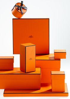 Hermes Packaging in Orange Chanel Box, Hermes Box, Hermes Paris, Hermes Birkin, Jewelry Packaging, Gift Packaging, Packaging Design, Fashion Packaging, Orange Box