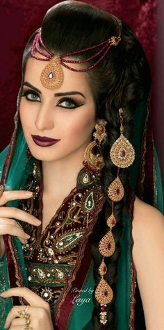 South Indian Bridal Makeup Exotic Beauties Ideas For 2019 Bridal Hairstyle Indian Wedding, Indian Wedding Video, Indian Bridal Hairstyles, Indian Bridal Makeup, Asian Bridal, Wedding Videos, Braid Hairstyles, Simple Hairstyles, Wedding Hairstyles