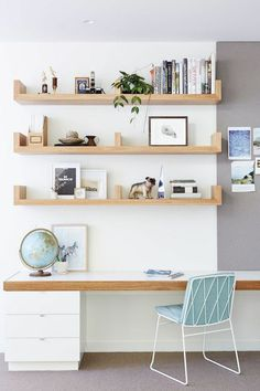 Cool Wall Storage Ideas Small Office Workplace organization for freelancers. If you looking for organization ideas for work at home, look at here. workplace home office ideas workplace organization Small Office Organization, Small Office Storage, Office Shelving, Office Bookshelves, Shelving Ideas, Organization Ideas, Tiny Office, Office Storage Ideas, Office Cubicles