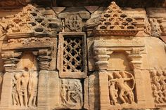 Panels depicting stories from Ramayana.