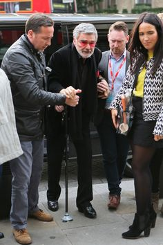 Burt Reynolds Looks Shockingly Frail in London Old Celebrities, Celebrities Then And Now, Celebs, Burt Reynolds Sally Field, Old Bodybuilder, Smokey And The Bandit, Bo Derek, Celebrity Deaths, Jerry Lewis