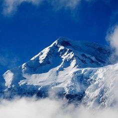 Która góra, spośród ośmiotysięczników, słynie z największej liczby wypadków śmiertelnych? Annapurna! Choć Annapurna była pierwszym zdobytym ośmiotysięcznikiem, to dziś zbiera największe śmiertelne żniwo. W roku 2007, na 153 próby aż 58 zakończyło się tragicznie. Inne góry-zabójcy to Nanga Parbat, K2 i Kangchenjunga.