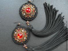 Swarovski crystal beaded Rivoli earrings with tassel. Handmade Beaded Jewelry, Earrings Handmade, Diy Jewelry, Jewelry Making, Jewelry Design, Jewellery, Bead Embroidery Jewelry, Beaded Embroidery, Beaded Rings