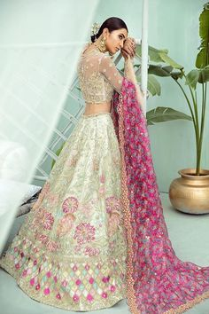 Exclusive Collection of Pakistani Bridal Dresses Online by Pakistani Designers to Buy for Pakistani Brides looking for a Traditional or Contemporary Bridal & Wedding Dresses. Pakistani Wedding Dresses, Indian Wedding Outfits, Pakistani Outfits, Indian Dresses, Indian Outfits, Pakistani Couture, Indian Attire, Bridal Outfits, Indian Weddings