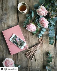 Hello #sweetavalanche @jannelford with @repostapp  #meijerroses  Hello Monday  beautiful roses to start off the week and my very own charging cable from @casetify (that won't go walk about in to one of the boys rooms) Happy new week everyone #casetify #ad
