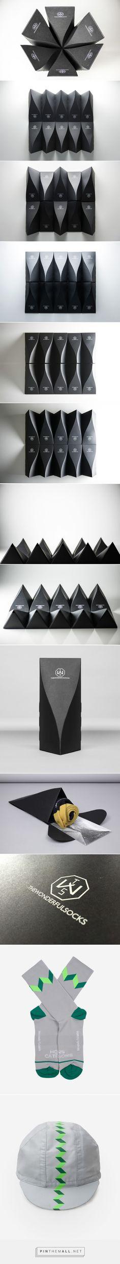 "The wonderful socks packaging designed by Zup Design - <a href=""http://www.packagingoftheworld.com/2015/12/thewonderfulsocks.html"" rel=""nofollow"" target=""_blank"">www.packagingofth...</a>"