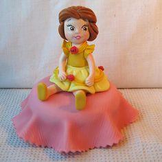 Bela e a Fera sentada no pote Princesas baby Disney , Lembrancinhas biscuit aniversário