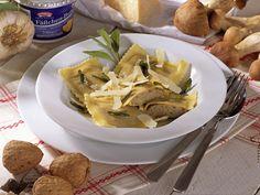 Ravioli mit Steinpilz-Walnuss-Füllung in Salbei-Butter